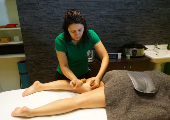 Massage aux bambous (anti-cellulite)